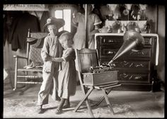 Summer 1915. Dancing to the tunes coming out of an Edison Home Phonograph at Broad Channel, N.Y. George Grantham Bain Collection.