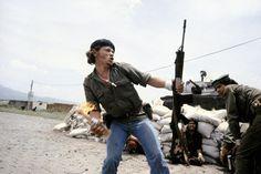 Susan Meiselas  Sandinistas at the walls of the Esteli National Guard headquarters, Esteli, Nicaragua, 1979 Susan Meiselas