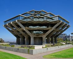 Seemingly straight off a sci-fi movie set, the Geisel Library—named after Audrey and Theodor Seuss Geisel, also known as Dr. Seuss—was designed by William L. Pereira Assoc. | archdigest.com