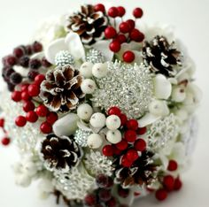 Object Inspiration: Trees, Leaves, Ornaments, Snowflakes, Wreath, Reindeer. Color Inspiration: Red, Green, Gold, Brown. See 35 Christmas Wedding Etsy Finds!