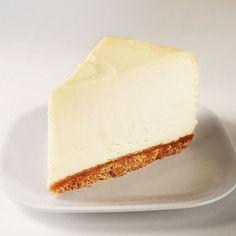 Der unglaublich cremige NY Cheese Cake, ein schönes Rezept aus der Kategorie Kuchen. Bewertungen: 1.511. Durchschnitt: Ø 4,8.