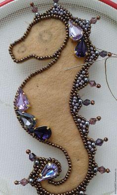 "We create a brooch ""Seahorse"" - Fair Mas . - We create a brooch ""Seahorse"" – Fair Masters – handmade, handmade - Bead Crafts, Jewelry Crafts, Jewelry Art, Beaded Jewelry, Handmade Jewelry, Jewelry Design, Brooches Handmade, Jewellery, Jewelry Ideas"