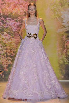 ¿Qué tal ese Zuhair Murad como vestido de novia en rosa? (SS 2014) #PFW #hautecouture #vestidodenovia #weddingdress