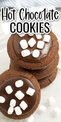 These hot chocolate cookies are so delicious! A soft, tender chocolate cookie topped with chocolate frosting and mini marshmallows! Hot Chocolate Cookies, Chocolate Frosting, Oatmeal Cookies, Peanut Butter Cookies, Delicious Cookie Recipes, Yummy Cookies, Mini Marshmallows, Family Recipes, No Bake Desserts