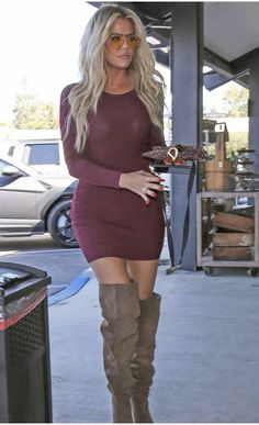 📷 Via kardashianworld Khloe Kardashian Outfits, Kardashian Jenner, Kardashian Family, Edgy Outfits, Celebrity Outfits, Fashion Outfits, Fashion Clothes, Kourtney Kardashion, Kim And Kourtney