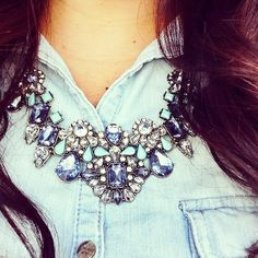 Gorgeous bib necklace http://rstyle.me/~1Kj1p
