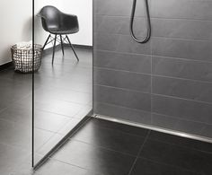 Sorte fliser Glass Shower, Tile Floor, Bathtub, Relax, Flooring, Bathroom Ideas, Bathrooms, Inspiration, Home