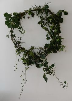 lapinblu | Natural Holiday Wreath Decor for A Simple Christmas | http://www.lapinblu.com