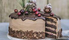 Zamilujete sa do nej: Voňavá čokoládová torta so škoricou a s brusnicami   DobreJedlo.sk Biscotti Cookies, Czech Recipes, Sweet Desserts, Toffee, Food For Thought, Nutella, Cupcake Cakes, Cake Decorating, Food And Drink