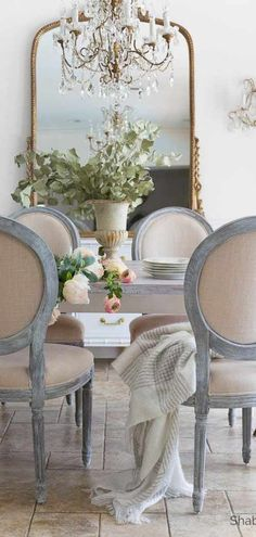 Luxury Dining Room Design Ideas With French Style. Here are the Dining Room Design Ideas With French Style. This article about Dining Room Design Ideas With French Style French Country Dining Room, French Country Kitchens, French Country Farmhouse, French Country Bedrooms, French Country Style, Rustic French, Farmhouse Style, French Dining Rooms, Classic Dining Room