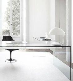 The Apartment | ¡ASÍ SE CREA! Convierte tu espacio de trabajo en un centro de creatividad e inspiración apostando por un mobiliario funcional pero elegante.
