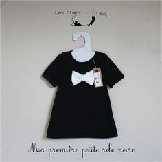 """Robe bébé fille en tricot """"Ma première petite robe noire"""", bottines assorties, 6-12 mois : Mode Bébé par les-chatsmaillerient"""