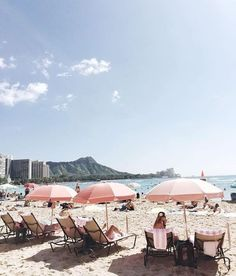 I am day dreaming hard about sandy beaches and sun today  // photo via @official_minkpink