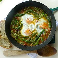 Esparragos a la Andaluza Asparagus, Andalusian Style - less than 200 calories per serving
