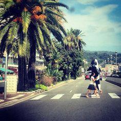 Take me to the beach!  #summer #summerfeeling #beach #street #cotdazure #france