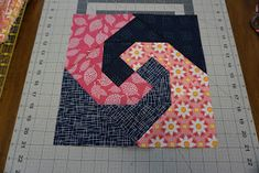Here are my instructions for a simple Snail Trail Block... Isn't it cute! I have been wanting to make a navy and pink quilt for a whil...