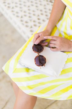 Sunny days are coming! Step in the Selma sunglasses in rose tortoiseshell with pretty gold metal details. Made from light but hard-wearing acetate that has been cut, put together and polished by hand, these ultra-chic tortoiseshell sunnies are perfect for keeping on standby in your handbag or in your silver scallop clutch like Carrie @wishwishwish.