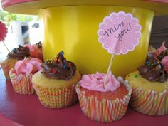 'Miss You' cupcakes