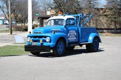 Old Ford Wrecker