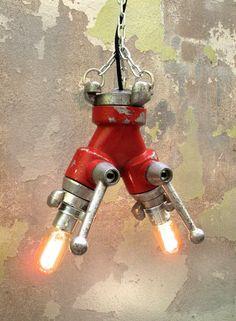 Bombera - LaRetrovisora Hydrant valve lamp