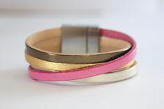 Bracelet manchette cuir métallisé et rose pastel - emmafashionstyle.fr