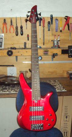 Contrabaixo Yamaha - Blindagem completa em alumínio, para aterramento e cancelamento de ruido, mais regulagem geral de afinação - Oficina das Guitarras Mozart
