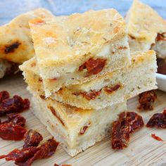 Sun-Dried Tomato Focaccia with Feta. Sun-Dried Tomatoes and Feta provide a new flavor dimension to this classic flat bread! Bread Bun, Flat Bread, Savory Scones, Bread Recipes, Savoury Recipes, Baking Recipes, Our Daily Bread, Tasty Kitchen, Soup And Sandwich