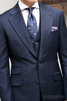 this looks great... aggressive lapels...