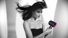 Dyson have re-thought the hair dryer, from the inside out. (ENG)