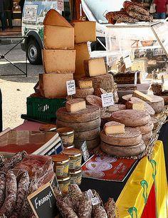 Pierrefonds Market   Fromages et saucissons d'Auvergne   Auteur: Saskya   Flickr - Photo Sharing!