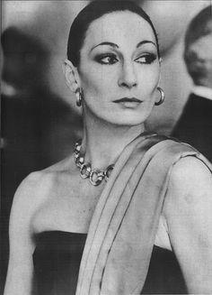 Anjelica Huston (Prizzi's Honor, dir. John Huston, 1985)