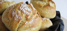 Boller koldhævede - natten over Sorry - Danish recipe Real Food Recipes, Baking Recipes, Snack Recipes, Yummy Food, Bread Recipes, Vegetarian Recipes, Healthy Food, Cooking Bread, Bread Baking