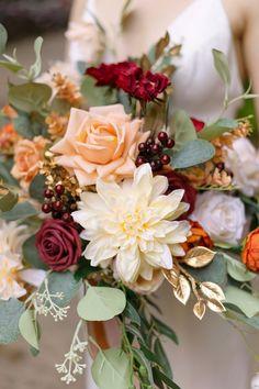 Bridal Bouquet Fall, Fall Bouquets, Fall Wedding Bouquets, Fall Wedding Flowers, Bride Bouquets, Floral Wedding, November Wedding Flowers, Bohemian Wedding Flowers, Spring Bouquet