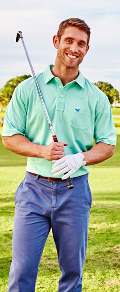 There's just something about a guy who knows how to handle his club. On the golf course. Don't get any ideas, ladies. Also, he's six foot four. #ccprep #southernmarsh #preppy #golf