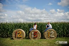 Southern engagement session... Want to do this for anniversary pics :))
