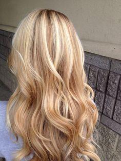 Warm Blonde Hair, Blonde Hair Shades, Blonde Curly Hair, Honey Blonde Hair, Blonde Hair Looks, Blonde Hair With Highlights, Hair Color Balayage, Blonde Balayage, 3c Hair