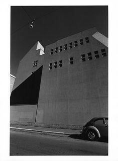 Gabriele Basilico;  Milano, ritratti di fabbriche, 1979