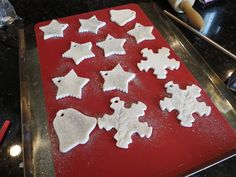 With My Own Two Hands corn starch baking soda water ornaments Artichoke Soup, Baking Soda Water, Corn Starch, Two Hands, Hobbit, Crafty, Christmas Ornaments, Mushroom, Lunch