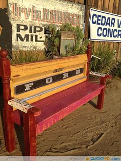 41 DIY Truck Tailgate Bench Ideas - Upcycle a Rusty Tailgate - Clicky Pix Car Furniture, Automotive Furniture, Furniture Projects, Furniture Makeover, Wood Projects, Furniture Plans, Bench Swing, Diy Bench, Man Cave Garage
