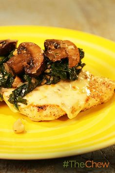 Skip the gravy and smother your chicken with something tastier! This Spinach & Mushroom Smothered Chicken is sure to hit the spot.