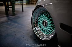 Those rims and omg that color!