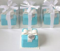 Beautiful Cake Pictures: Tiffany Blue White Bow Wrapped Little Cakes - Little Cakes - Food Wedding Favors, Wedding Favours Luxury, Wedding Favor Table, Chocolate Wedding Favors, Luxury Wedding Cake, Wedding Ideas, Dream Wedding, Tiffany Blue Cupcakes, Tiffany Cakes