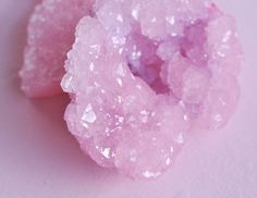 How To Make Rose Quartz Crystals - visual heart creative studio Gem Crafts, Rock Crafts, Crafts To Do, Diy Crystal Growing, Growing Crystals, Borax Crystals, Diy Crystals, Science Projects For Kids, Crafts For Teens