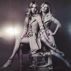 カーラ・デルヴィーニュとケイト・モスが「バーバリー」から間もなく発売される新作香水「マイ バーバリー」の宣伝キャンペーンで初共演し、話題になっています!