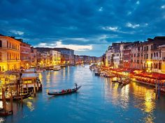 http://www.venezia-dresden.de/images/sitebg/sitebg_03.jpg