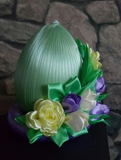 Strawberry Crafts, Carved Eggs, Wedding Plates, Cement Crafts, Simile, Faberge Eggs, Ribbon Work, Egg Decorating, Ribbon Crafts