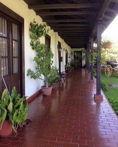 56 Trendy ideas pergola patio ideas spanish style home Indian Home Design, Kerala House Design, Hacienda Style Homes, Spanish Style Homes, Spanish House, Casa Patio, Pergola Patio, Backyard Patio, Nature Architecture