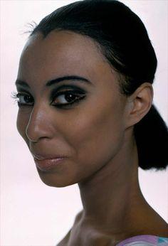 Photo Frank Horvat New York, USA, photo test with Donyel Luna (c) Black Supermodels, Frank Horvat, African American Models, Retro Makeup, Vintage Black Glamour, Coloured Girls, Famous Photographers, Smokey Eye, Pretty People