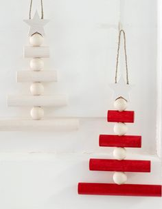 Whether you hang it on the door or in the window, the beautiful small Joulupuu tree gives your home a stylish Christmas mood. Available October 1st. Designed by Saija Malila. Maple, ø 16 cm