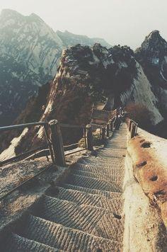 #jemevade #ledeclicanticlope / La grande muraille de Chine. Un long chemin ... comme l'arrêt de la cigarette ! Mais quel paysage ;)